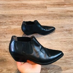 Vintage Guess By Marciano ankle boots